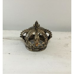 Coroa plástico dourada...